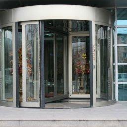 Otomatik Döner Kapı